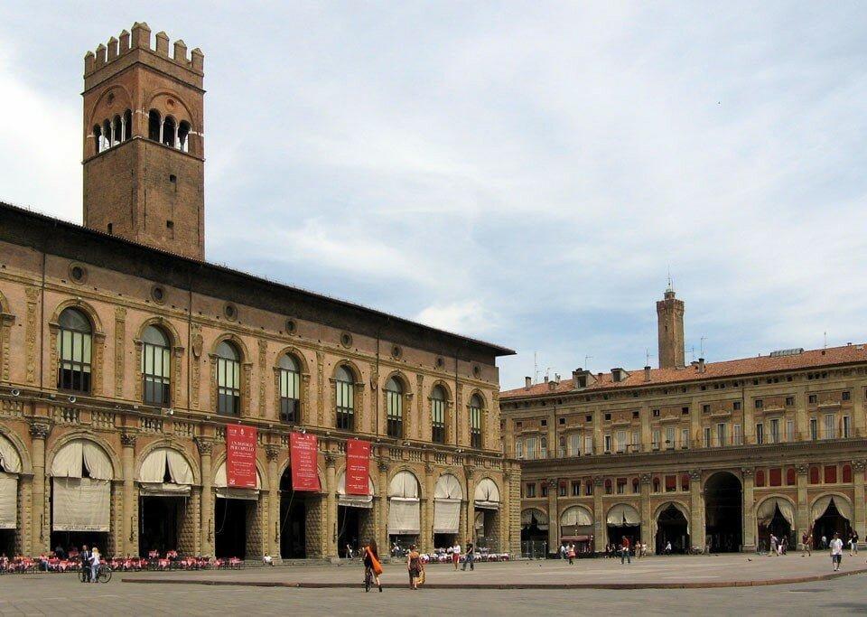 Fachada da Universidade de Bolonha