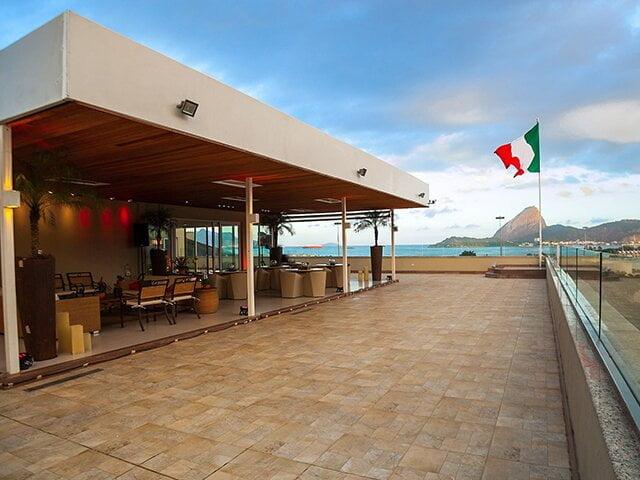 Bel'ssimo terraço do Consulado italiano no Rio