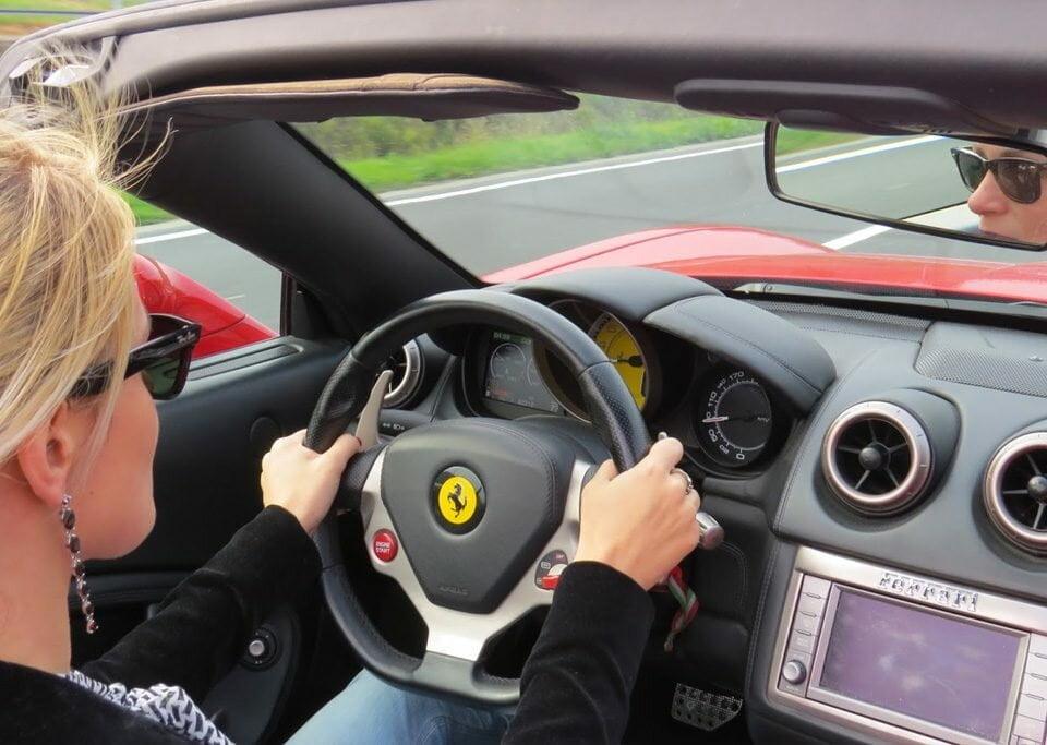 Brasileiros habilitados poderão ter carta de motorista italiana