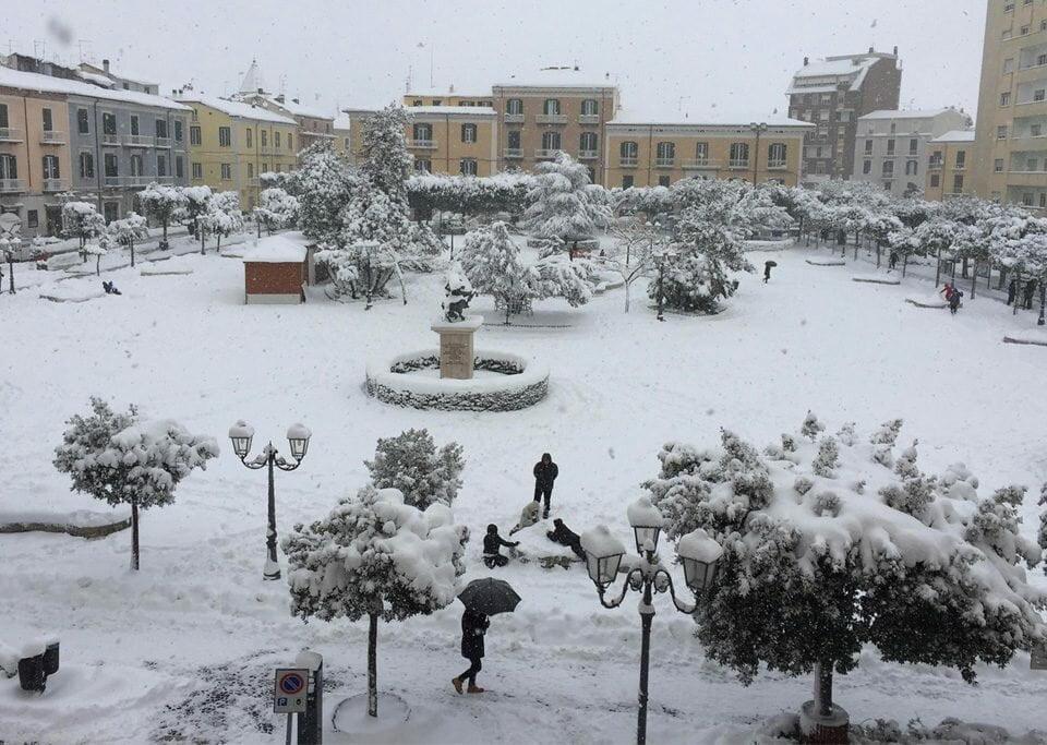 Mal tempo: neve em Pescara, Molise, Marche e Puglia. Foto: blitzquotidiano.it
