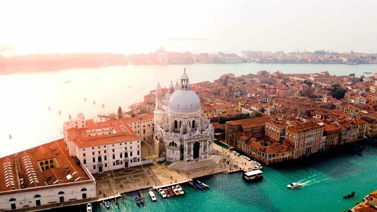 Veneza quer instalar catracas nos acessos da cidade