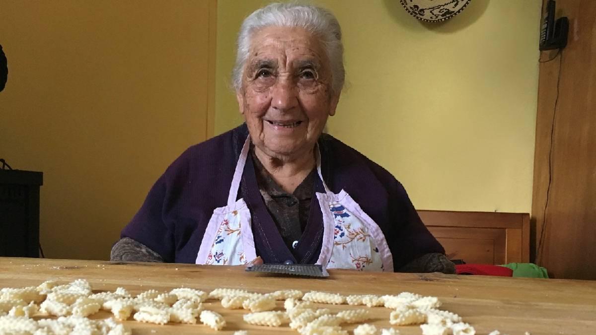 Avôs e avós italianos ensinam suas receitas em canal na web
