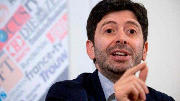 Itália já comprou vacinas para imunizar o dobro de sua população