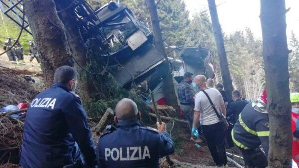 Queda de teleférico na Itália