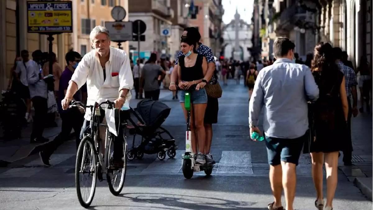 Itália suspende uso de máscara