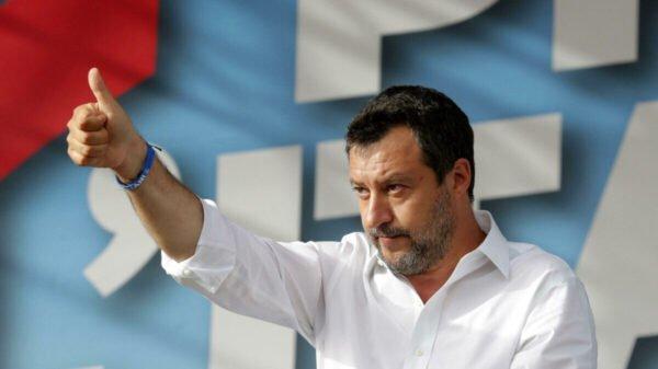 Salvini se vacina