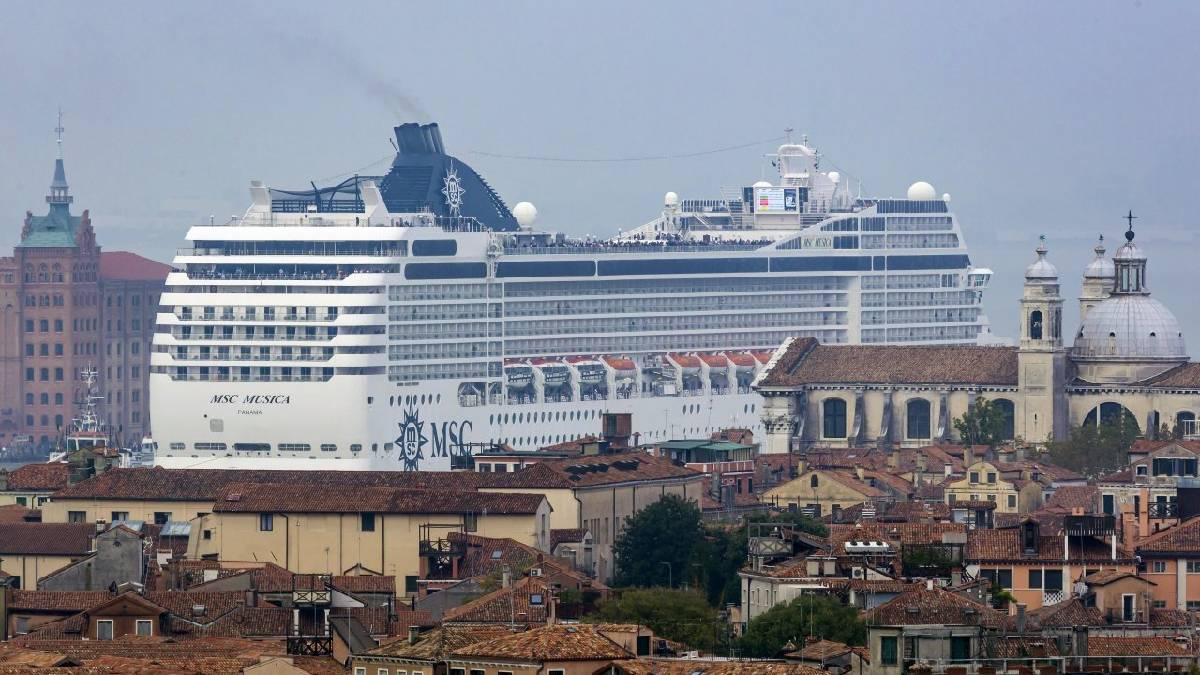 Navios de cruzeiro veneza